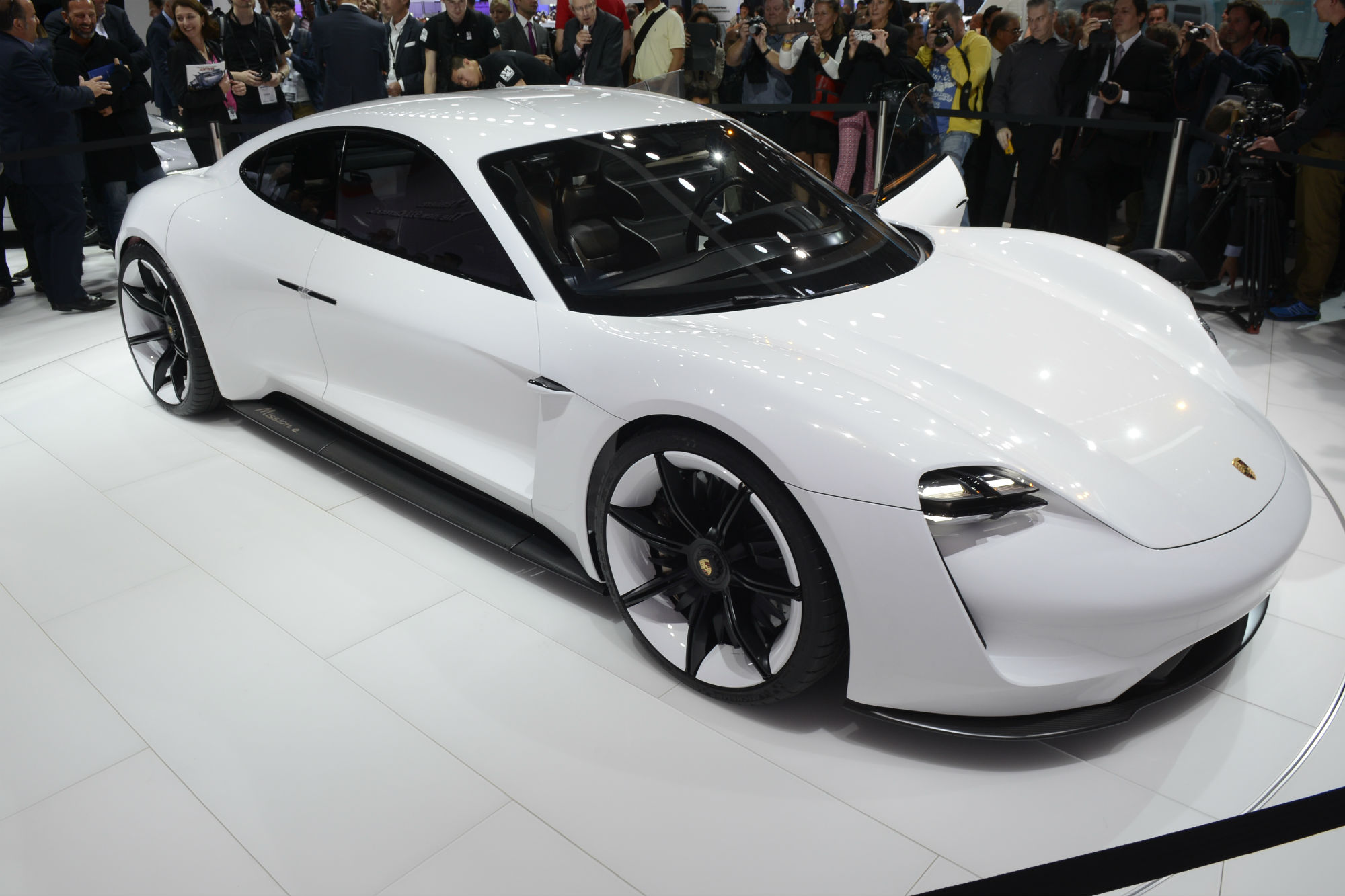 eight awesome electric cars due in the next five years that ll be worth waiting for car keys. Black Bedroom Furniture Sets. Home Design Ideas