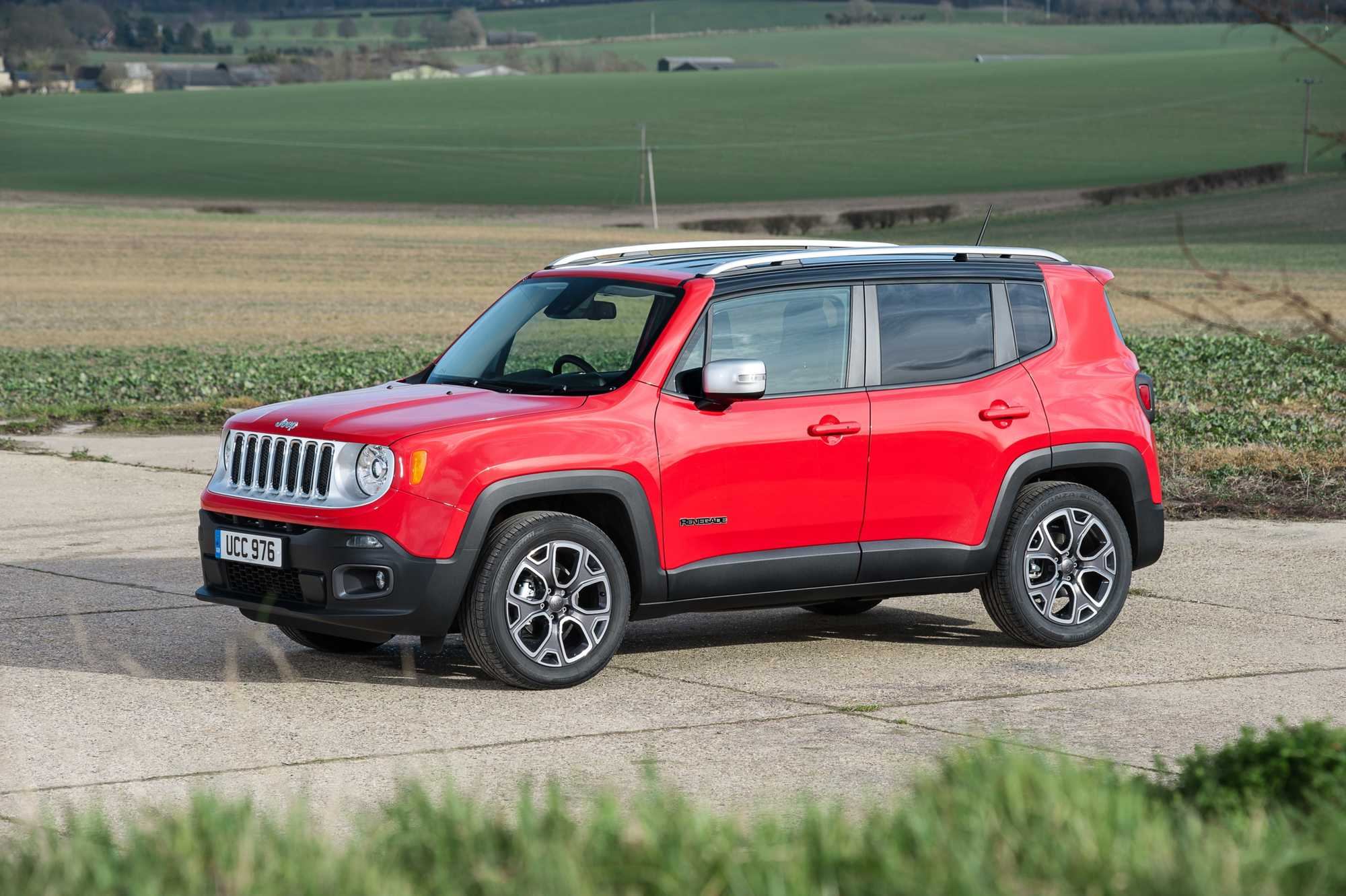 jeep renegade crossover review car keys. Black Bedroom Furniture Sets. Home Design Ideas