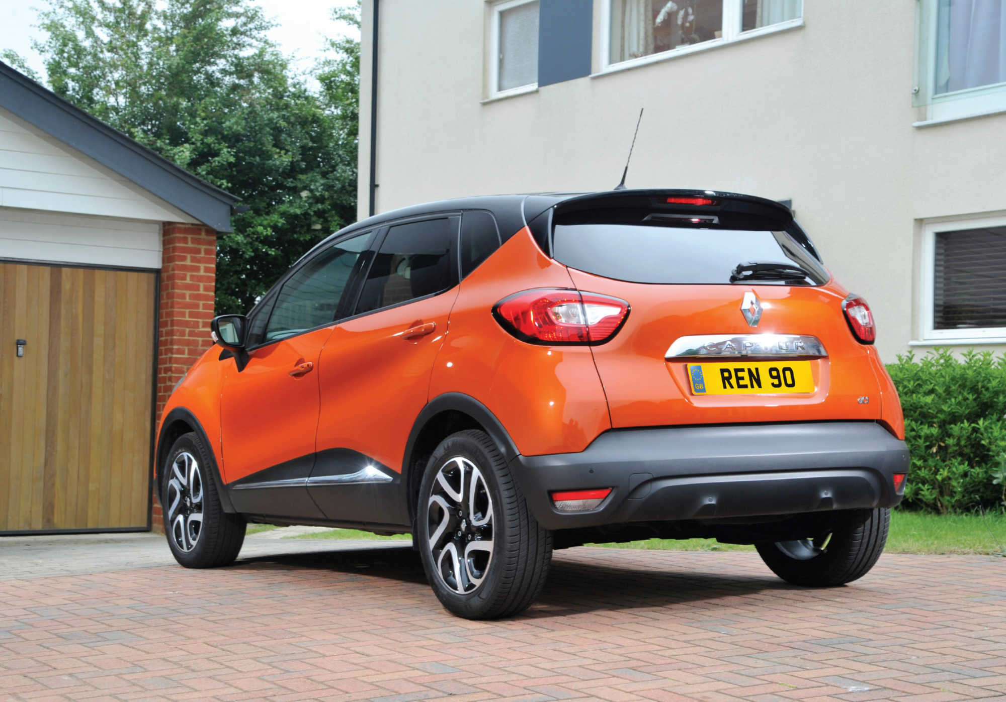 renault captur crossover review car keys. Black Bedroom Furniture Sets. Home Design Ideas