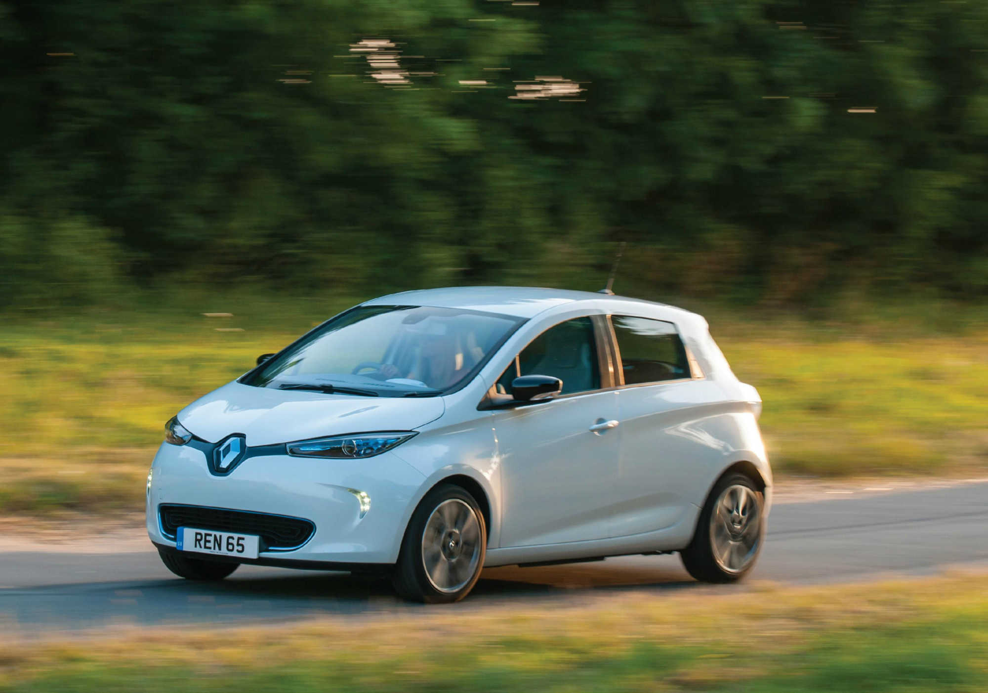renault zoe hatchback review car keys. Black Bedroom Furniture Sets. Home Design Ideas