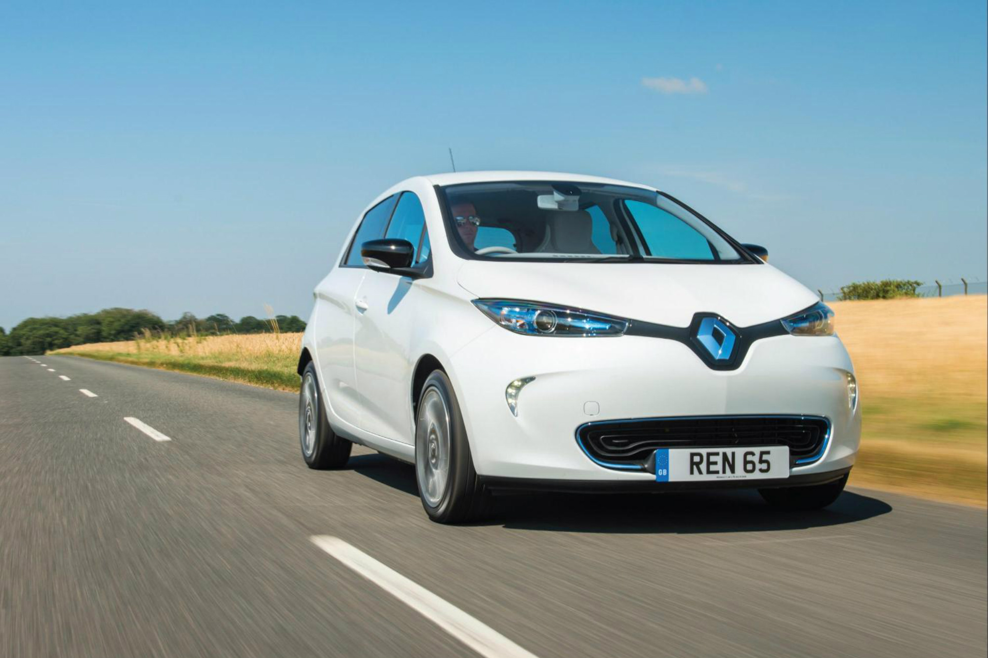2017 renault zoe details emerge range nearly doubled. Black Bedroom Furniture Sets. Home Design Ideas