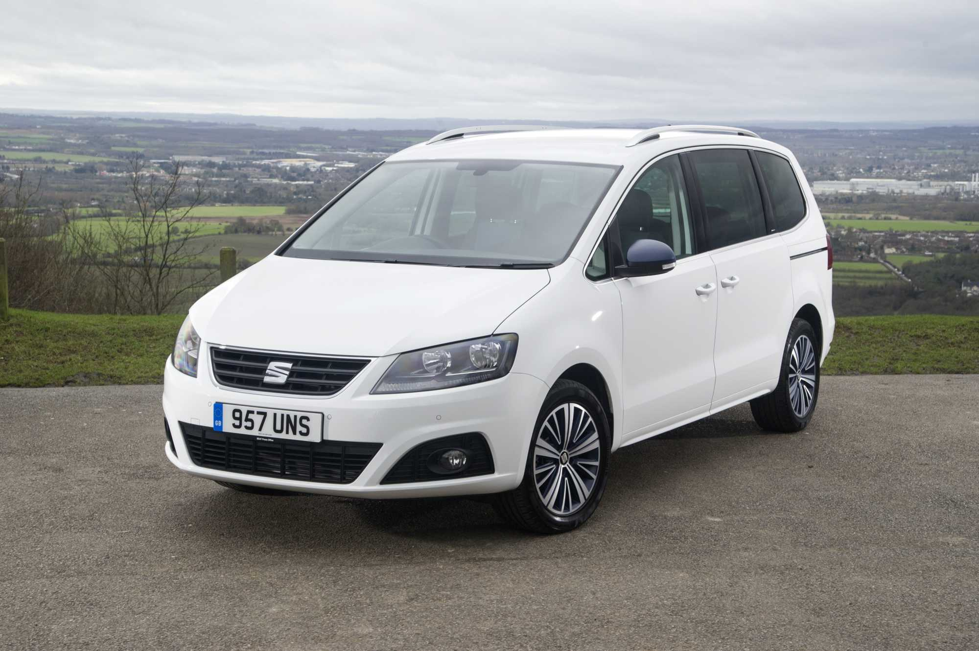 seat alhambra mpv review car keys. Black Bedroom Furniture Sets. Home Design Ideas