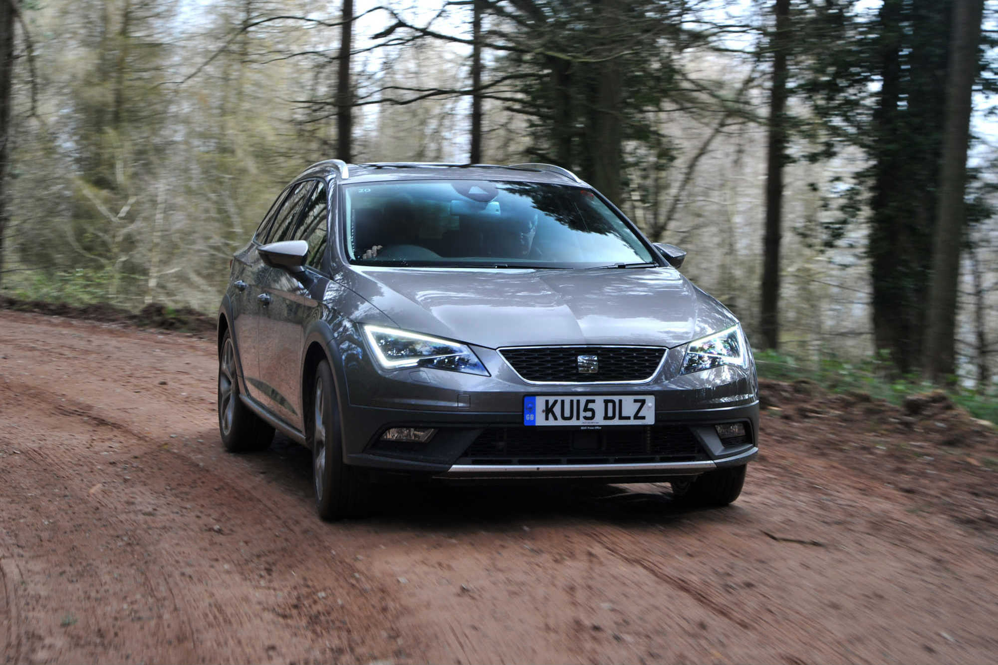 seat leon x perience 2 0 tdi se technology launch report car keys. Black Bedroom Furniture Sets. Home Design Ideas