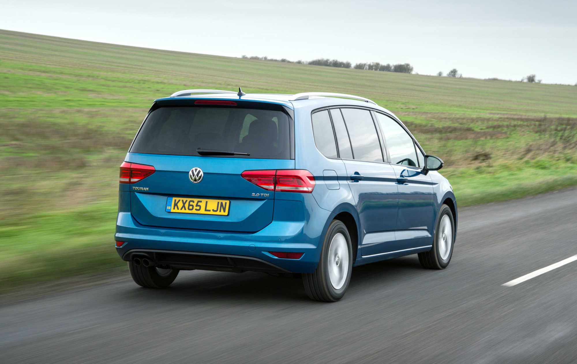 volkswagen touran se family 2 0 litre tdi 150 dsg mpv review car keys. Black Bedroom Furniture Sets. Home Design Ideas