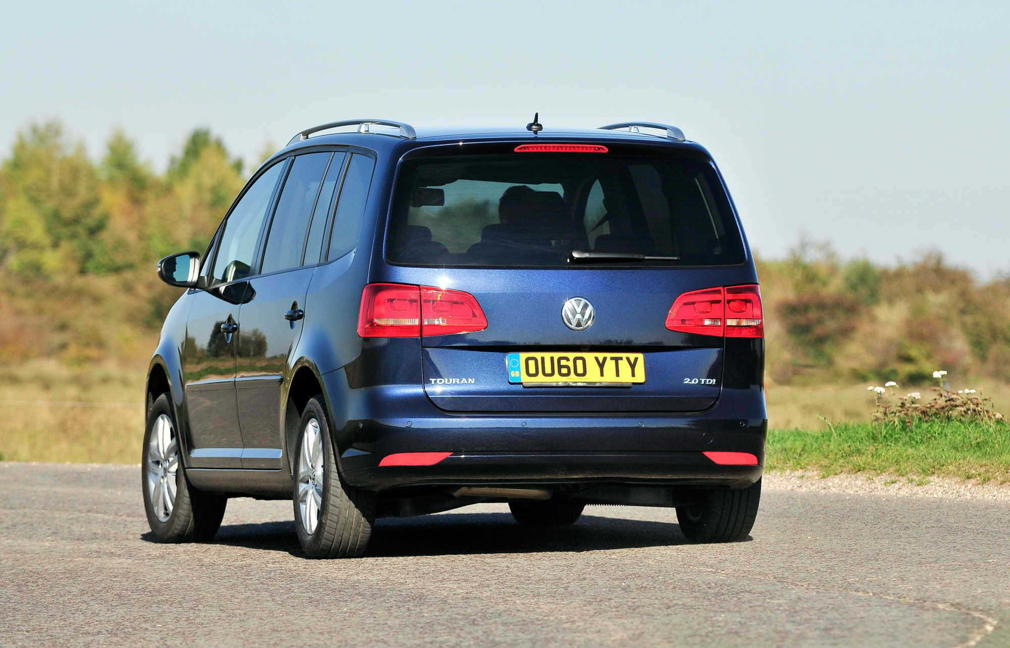 volkswagen touran mpv review car keys. Black Bedroom Furniture Sets. Home Design Ideas