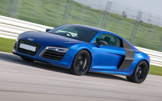 R8-pricing-page-lifestyle-images
