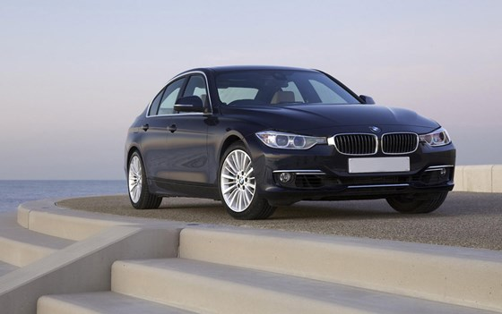 3 Series-pricing-page-lifestyle-images
