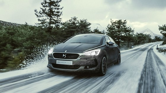 DS 5-pricing-page-lifestyle-images