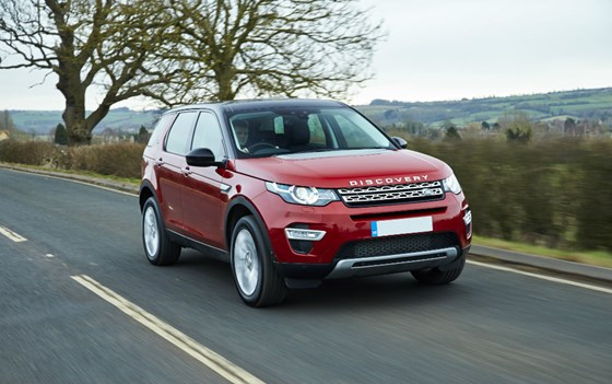 Discovery Sport-pricing-page-lifestyle-images